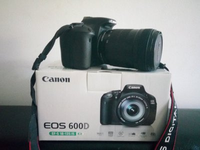 Зеркальный фотоаппарат Canon 600D Kit (объектив 18-135mm)