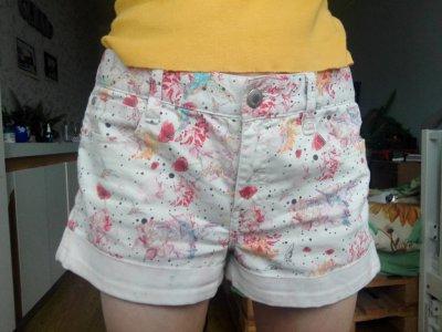 Белые шорты джинсовые french connection. Бохо. Оригинал. Цветы,птицы.