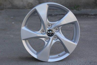 Оригинальные диски Toyota C-HR R17