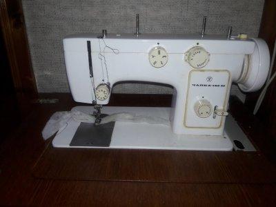 Швейная машина с електроприводом
