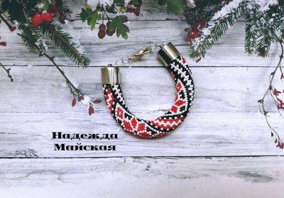 Авторское украшение из бисера на руку жгут-браслет Мотивы