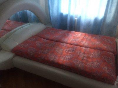 Срочно продам спальню