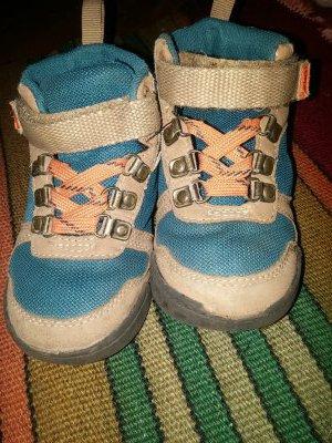 Детские кроссовки картерс