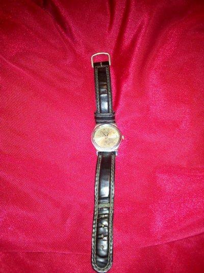 Часы наручные кварцевые (3 штуки)
