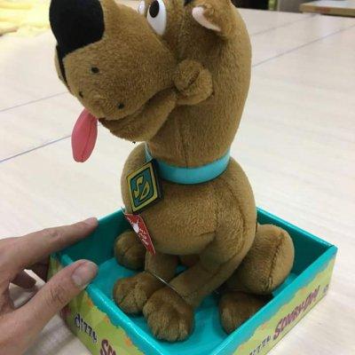 Мягкая игрушка Скуби-Ду с крутящейся, заводной головой.