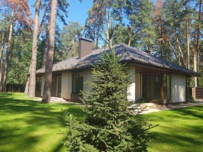 Продам готовый дом с ремонтом в Лесной части Бучи