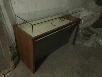 Продам торговую витрину