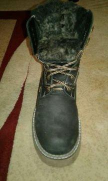 Продаю зимние мужские ботинки