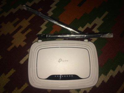 Продам роутер TPLINK TL-WR841N 300 Мбит/с