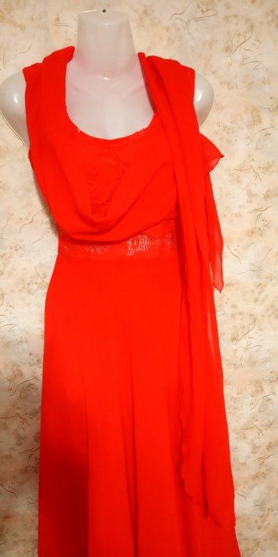 Роскошное красное платье в пол с ажуром