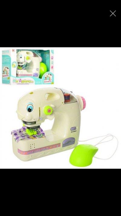 Детская Швейная машинка, шьет, педаль управления, свет, на батарейках