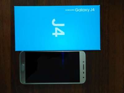 Продаю Samsung J4