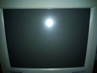 Продам мониторы Samsung 17 дюймов (2 шт.) и 15 дюймов (1 шт.) одним комплектом 3в1