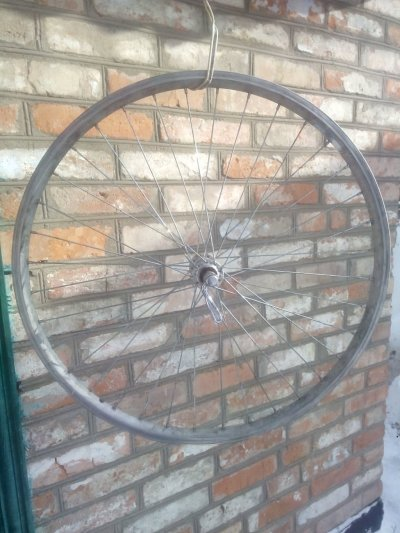 Обод до спортивного велосипеда на тонкую резину