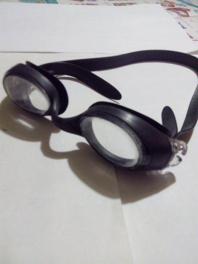 Продам очки для плавания.