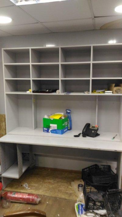 Компьютерный стол, рабочее место инженера электронщика, мастера