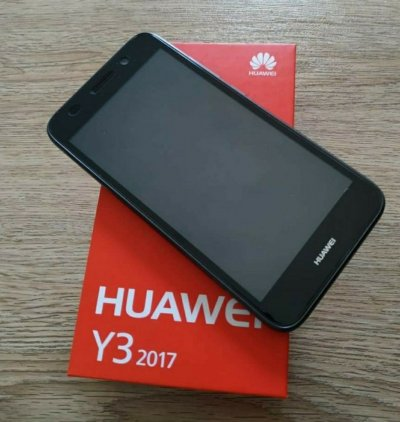 Продам смартфон HUAWEI Y3