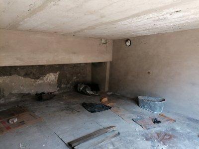 Продаётся гараж в нормальном состоянии с большим подвалом все вопросы по телефону+380635528564
