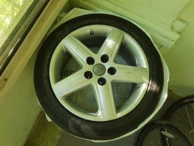 Колёса оригинальные R17 для Audi A6 (диски + шины MICHELIN)
