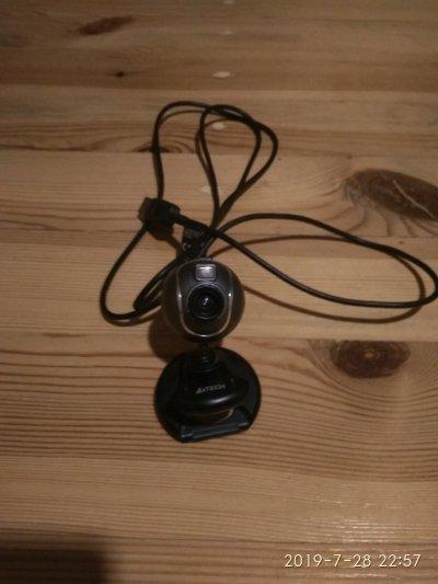 Продам веб камеру срочно