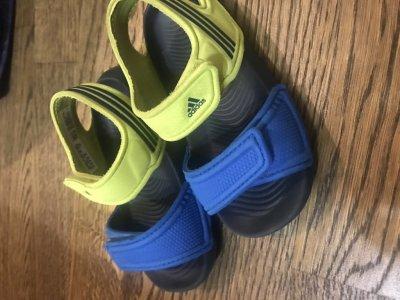 adidas сандали