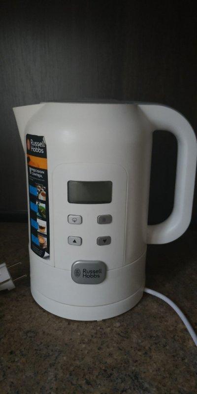 Электрический чайник Russell Hoobbs