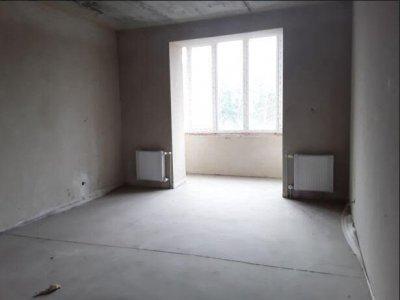 Велика двостроння двухкімнатна квартира в Бучі від новуса 5хв.