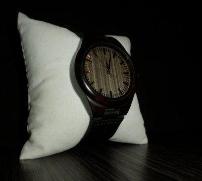 Деревянные наручные часы изготовлены из бамбука Уценка