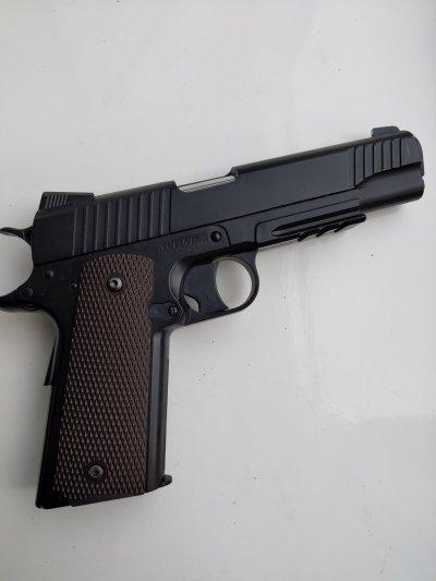 Пистолет пневмат Colt 1911