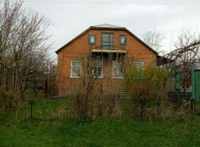 Продам дом в живописном месте у берега водохранилища