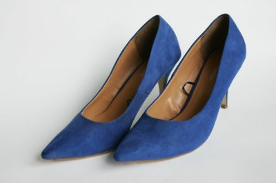 Продаю женские туфли замшевые