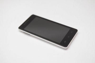 Продаю сенсорный телефон Prestigio MultiPhone PAP5451 DUO