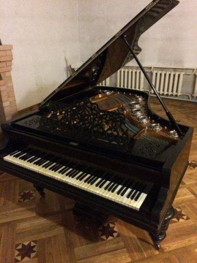 Продаю рояль Jacob Becker