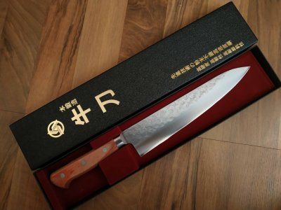 Японский кухонный ножTakamura Chromax Шеф (Gyuto) 210mm