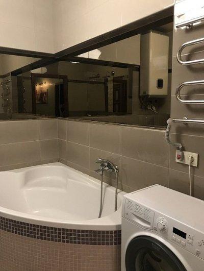 Продам свою 3-х комнатную квартиру с видом на лес с дизайнерским ремонтом в Броварах