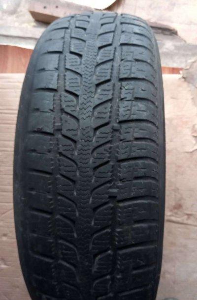 Зимняя резина Roadstone 215/65/R16 98h пара