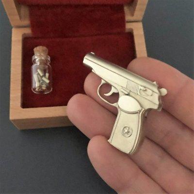 Продам Действующую миниатюрную модель пистолета Макарова под 2мм патрон