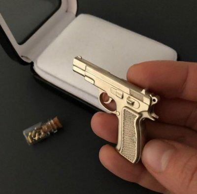 Продам Действующую миниатюру модели пистолета CZ-75 под 2мм патрон