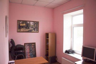 Сдается в аренду офисное помещение - 13 кв.м. на Щорса (2 этаж).