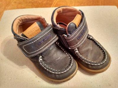 Демисезонные ботинки Geox на мальчика 24 р.