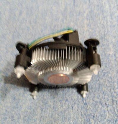 Оригинальный с мед. вставкой вентилятор процессора Intel Sock-1150