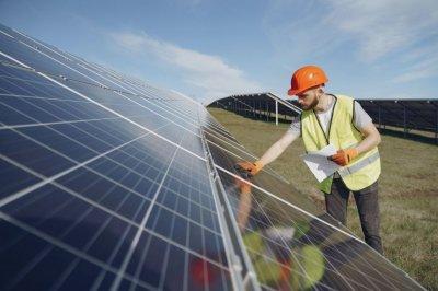 Монтаж панелей солнечных батарей. Работа в Польше. 1100$