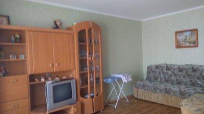 1-кімнатна квартира подобово у Кароліно-Бугазі, вул. Будівельників, 1