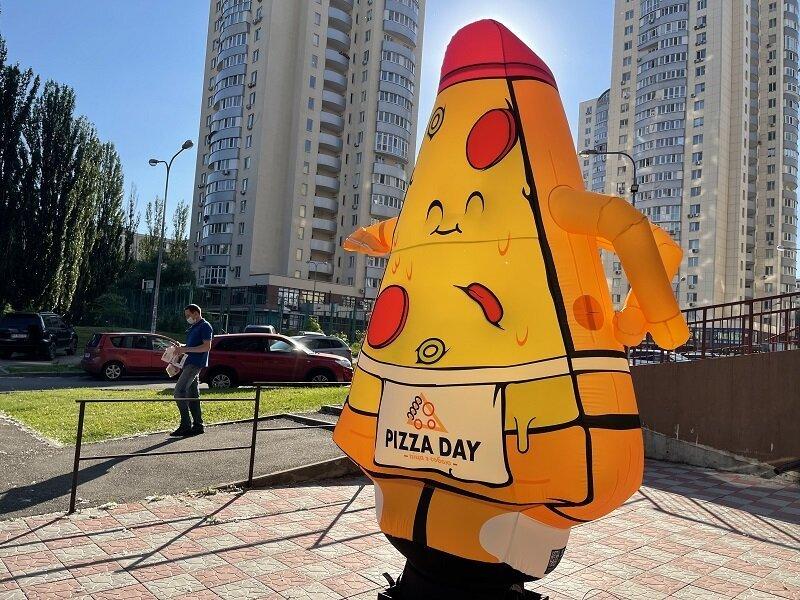 Надувная реклама пицца