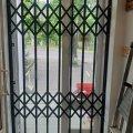 Решетки раздвижные металлические на окна, двери, витрины. Производство и установка по всей Украине Р