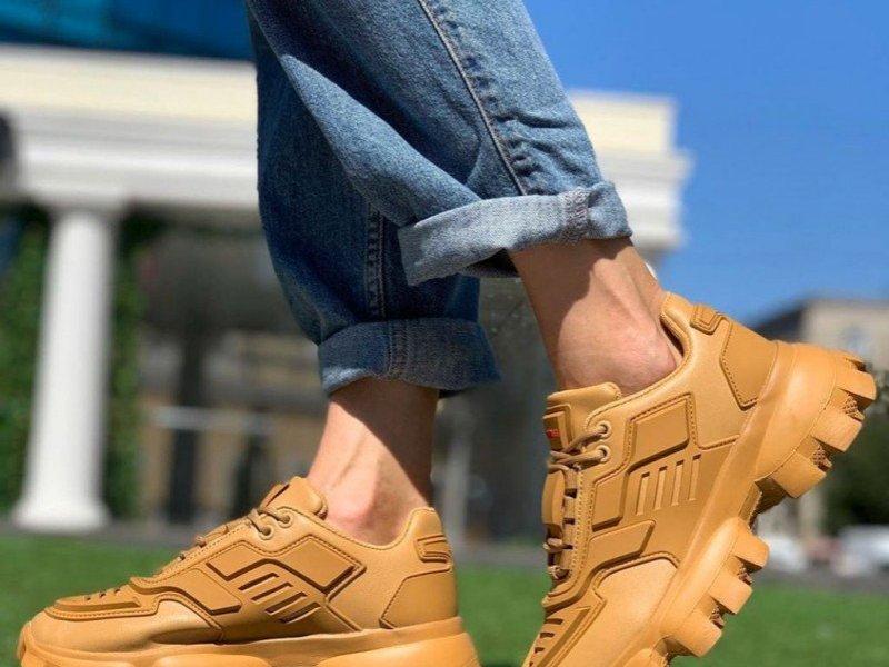 Кросівки жіночі 37 розмір
