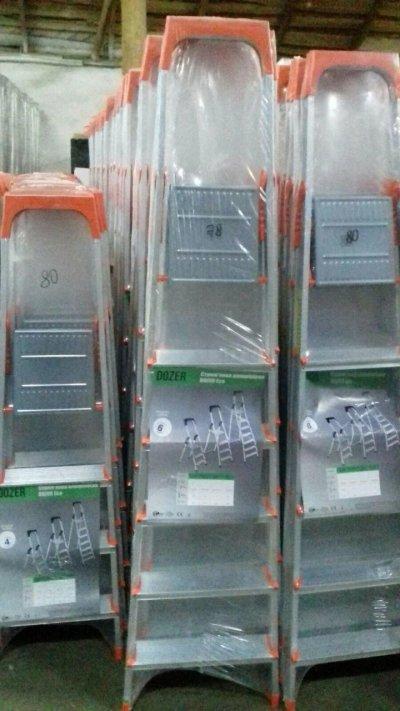 Лестница-стремянка алюминиевая Dozer (Турция) на 4, 5, 6 и 7 ступеней